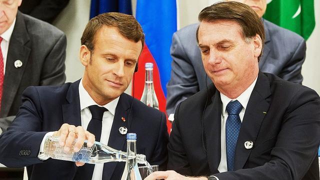 Presidente foi criticado após comentário em publicação sobre esposa de Macron
