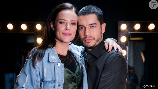 'A Dona do Pedaço': Vivi usa vestido preto em seu casamento com Camilo