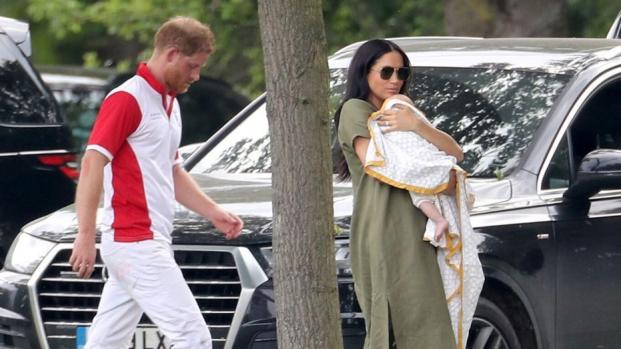 Meghan Markle, Prince Harry, and Son Archie Reportedly Had Lunch at a Local Pub