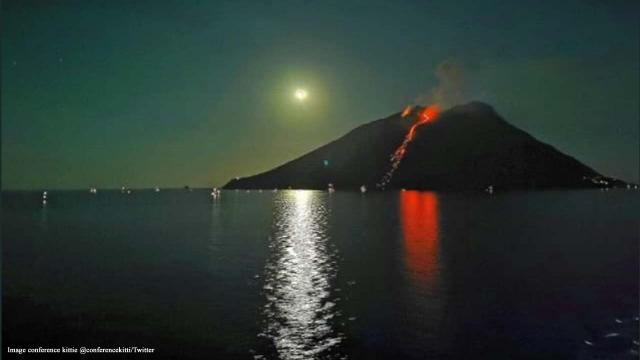 Italy: Stromboli volcano erupts for second time in two months, tourists flee
