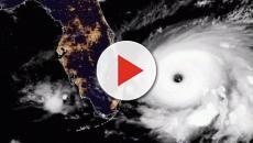 Chegada do furacão força retirada de moradores de áreas costeiras do sudeste dos EUA