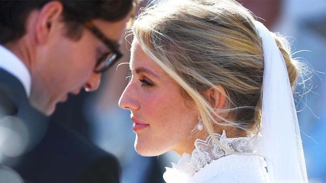 Ellie Goulding dice 'si' al fidanzato Caspar Jopling