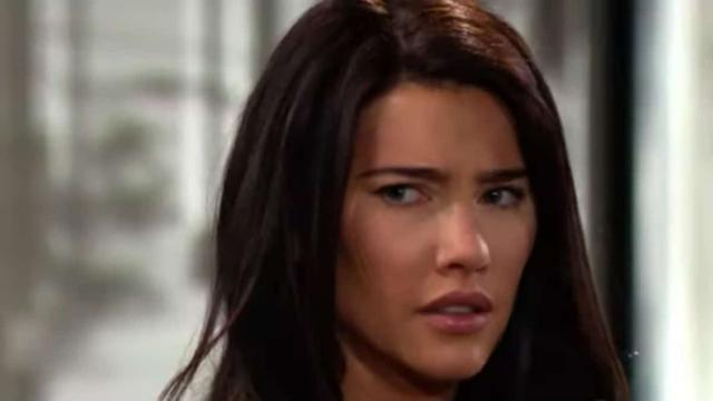 Beautiful, Steffy racconterà al padre di aver visto Bill baciare Brooke