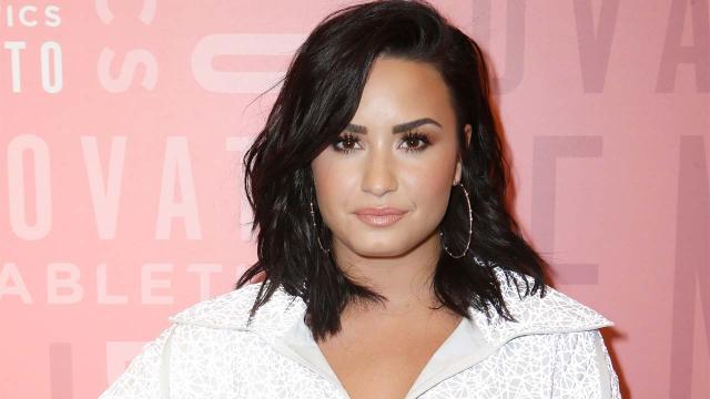 Demi Lovato e la foto senza ritocchi: 'Sono stanca di vergognarmi del mio corpo'