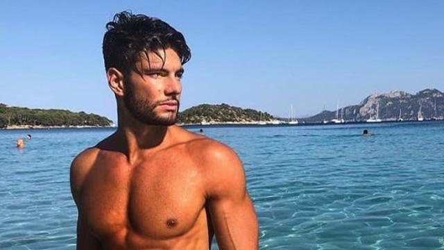 Temptation Island Vip, Deianira su Instagram: 'Adesso finge, ma Simone stava con un'altra'