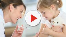 Ivrea, escluse da scuola 2 bimbe non in regola coi vaccini: la madre sciopera