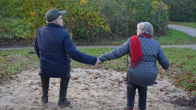 Karolinska Institutel: invecchiando, l'organismo non riesce più ad eliminare grassi
