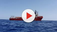 Migranti: la Ocean Viking verso Lampedusa