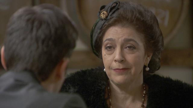Il Segreto anticipazioni: Francisca tira Adela fuori dai guai e ricatta Carmelo