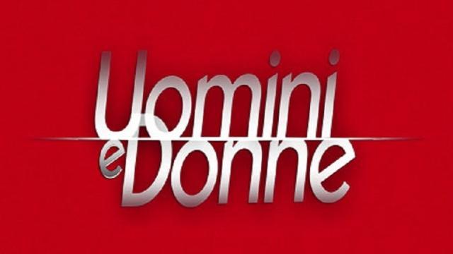 Uomini e donne, anticipazioni 26 settembre: Gemma, il suo vestito si alza come Marylin