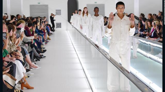 'La salud mental no es moda', la crítica de una modelo a Gucci en su pasarela