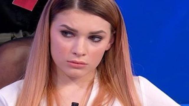 Spoiler Uomini e Donne: Sara abbandona il trono, la Poznanska probabile nuova tronista