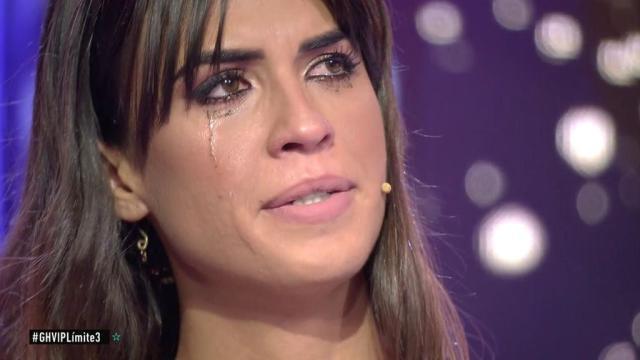 Sofía destrozada al ver un vídeo de Kiko y Estela, abrazados en la cama en GH VIP