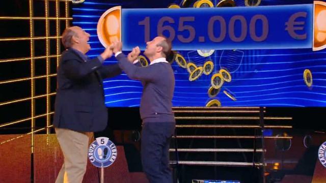 Ascolti tv sabato 5 ottobre: Flavio Insinna asfalta Gerry Scotti con L'Eredità