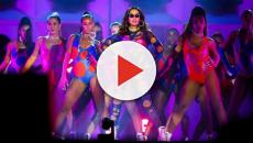 Apresentação de Anitta é acompanhara por uma multidão de famosos
