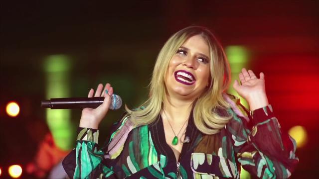 Marília Mendonça faz show de graça que acaba em arrastão