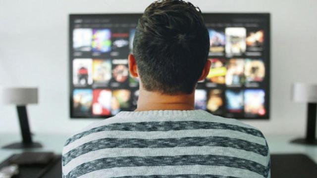 Accordo Netflix-Mediaset: tra i 7 film anche un biopic sul campione Roberto Baggio