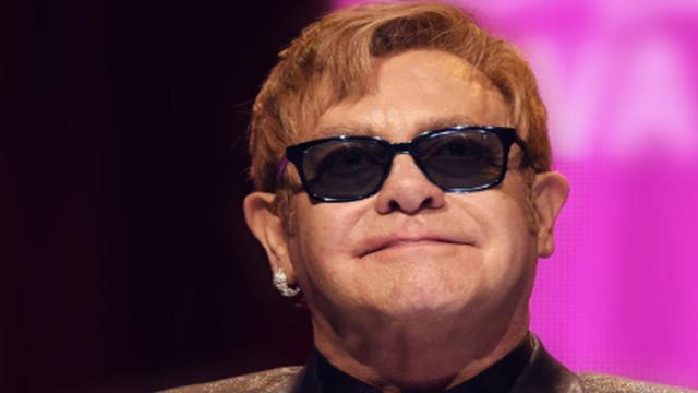 La Regina Elisabetta e lo schiaffo al nipote: lo rivela Elton John nella sua biografia