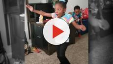 Una niña con parálisis cerebral camina por primera vez y el vídeo se hace viral