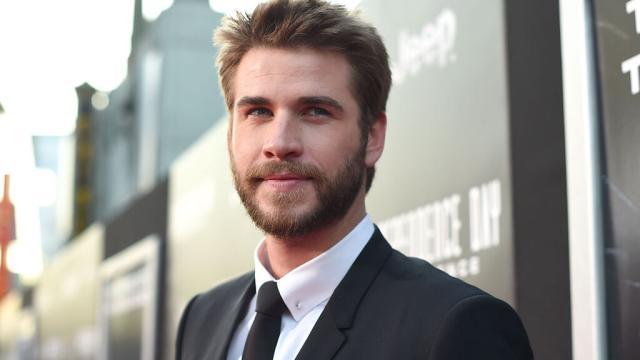 Liam Hemsworth podría estar saliendo con una chica