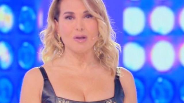Selvaggia Lucarelli contro Barbara D'Urso per l'intervista a Sara Tommasi