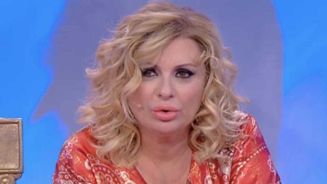 Scherzo Tina Cipollari a Le Iene: l'opinionista voleva denunciare il figlio Mattias