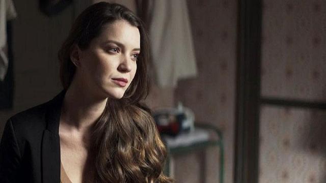'A Dona do Pedaço': Fabiana é rejeitada por Rock e ainda implora pelo seu amor