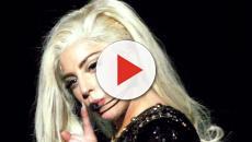 Lady Gaga se cae en pleno concierto en Las Vegas cuando saltó sobre un admirador