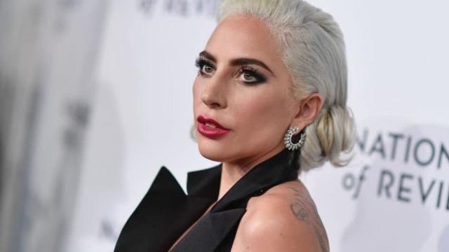 Lady Gaga sufre una caída en un concierto en Las Vegas, Nevada