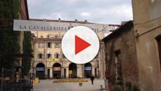Torino: il tetto della 'Cavallerizza Reale' brucia, in corso le operazioni di spegnimento