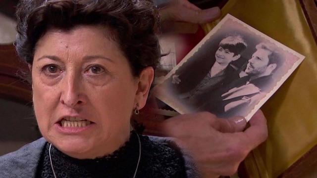 Una Vita, anticipazioni spagnole: la furia di Ursula dopo aver visto una foto di Telmo