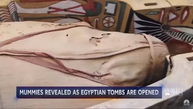 Scoperti 30 sarcofagi egizi, per Waziri è la più grande scoperta degli ultimi 100 anni