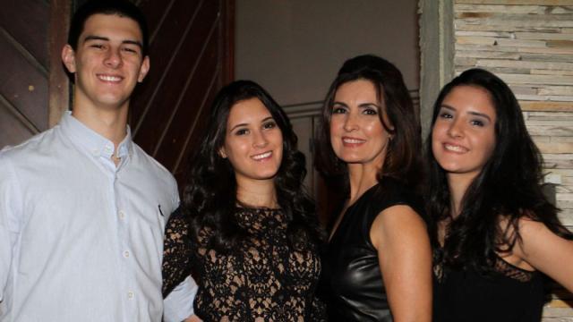 Fátima Bernardes celebra o aniversário dos trigêmeos com festa antecipada