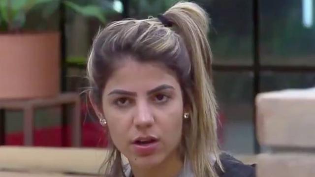 Hariany afirma que as pessoas devem estar falando dela