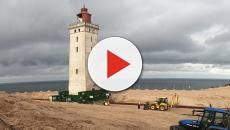 Denmark: Authorities forced to move a lighthouse due to the erosion of the coastline