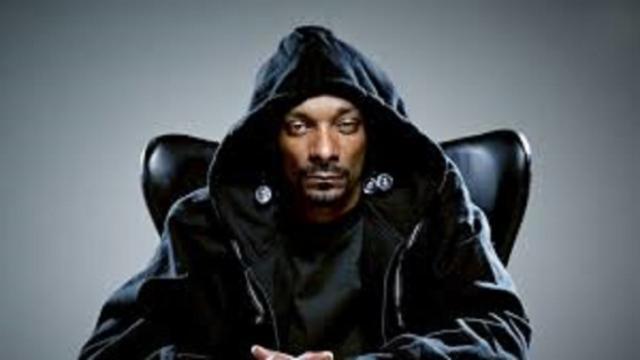 Snoop Dogg reçoit 48 bouquets de Mari***** pour son anniversaire