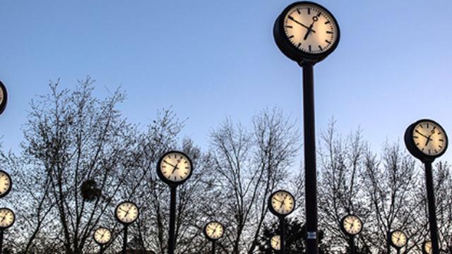 Ora solare, nella notte tra il 26 e 27 ottobre cambia l'ora: forse per l'ultima volta