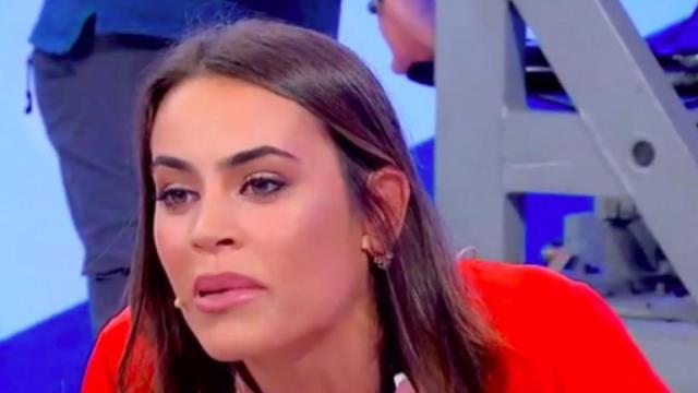 Uomini e donne anticipazioni: Alessandro bacia Veronica