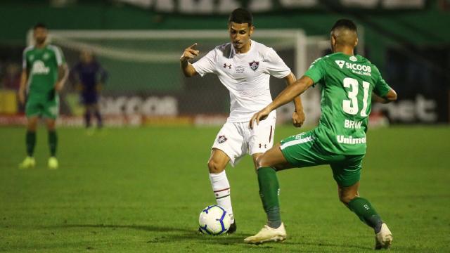 Fluminense recebe a Chapecoense no Maracanã.