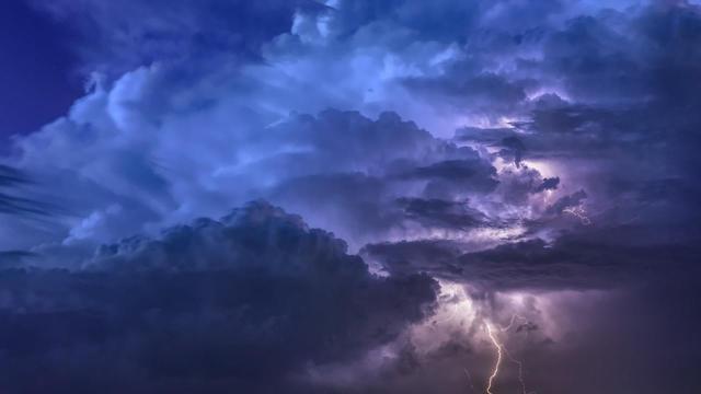 Meteo: dal 31 ottobre in Italia arriverà il maltempo: pioggia e calo delle temperature