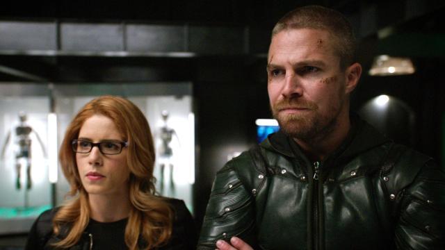 Arrow 8: Felicity Smoak tornerà nell'ultima puntata