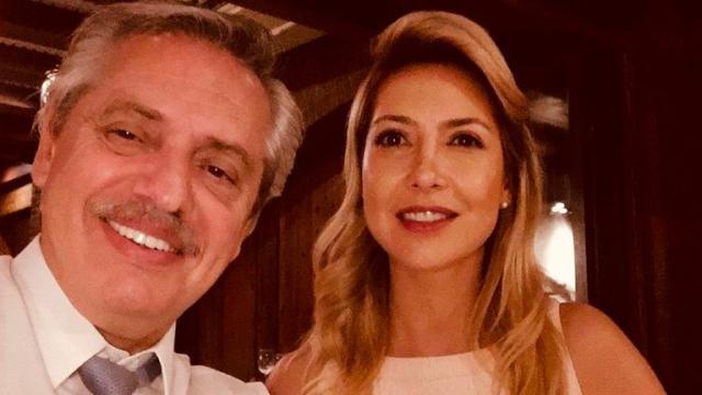 El nuevo presidente de Argentina tiene una novia actriz y un hijo drag queen