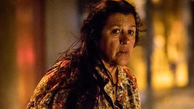 Regina Casé se emociona depois de ver o clipe da novela 'Amor de Mãe'