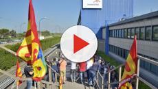 Ex Ilva di Taranto, i cittadini manifestano contro il diritto al lavoro e alla salute