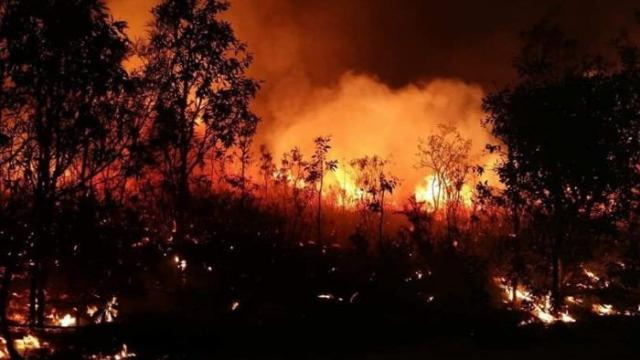 Australia, incendi senza precedenti e centinaia di persone intrappolate nelle proprie case