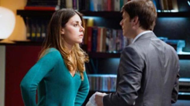 Anticipazioni Un posto al sole: Carla viene aggredita, Alex le rimane accanto