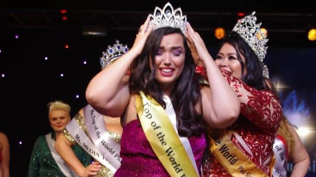 Brasileira conquista concurso de beleza plus size na Europa