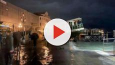 Venezia sommersa dall'acqua, marea record: due morti e Basilica di San Marco allagata