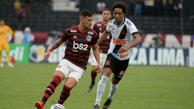 Flamengo e Vasco se enfrentam nesta quarta sem TV aberta.