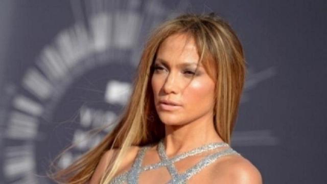 Jennifer Lopez confessa: 'Un regista ci provò ad inizio carriera ma gli ho messo paura'